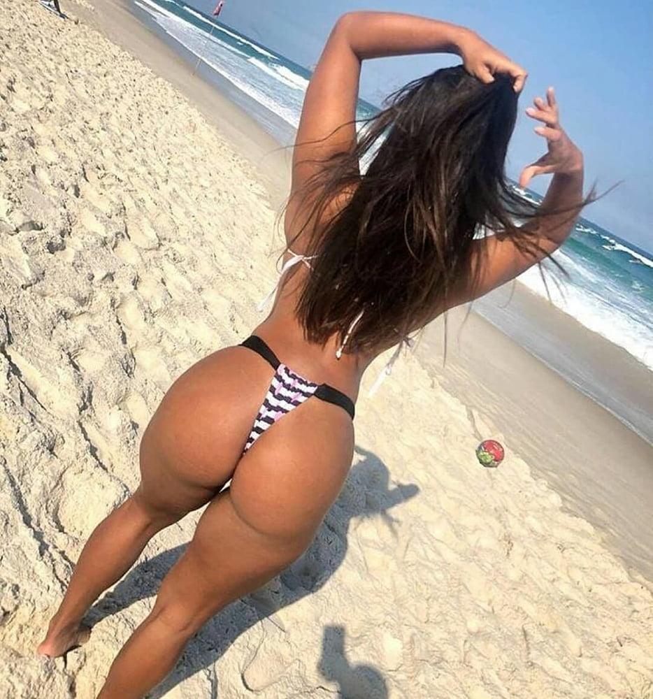 Brasileiras Gostosas Nuas Na Praia (1)