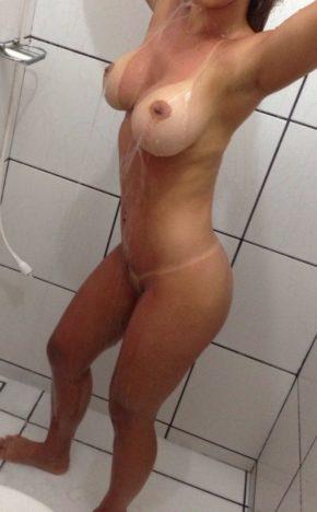 Casada do Sexlog se exibindo pelada