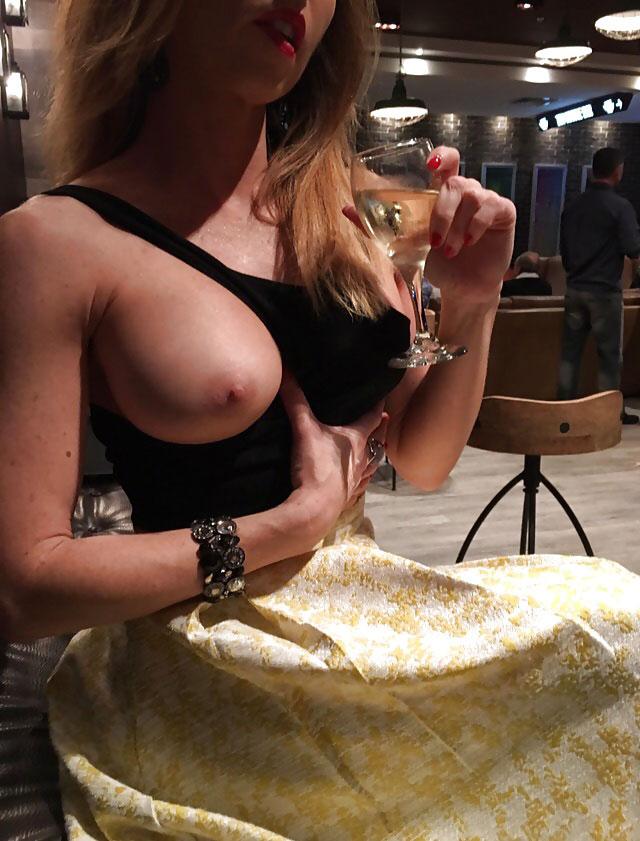 Mulheres Exibidas Nuas Em Público (7)
