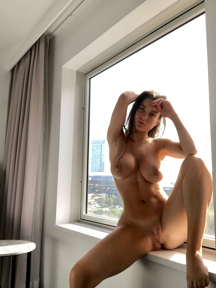 Lana Rhoades (17)