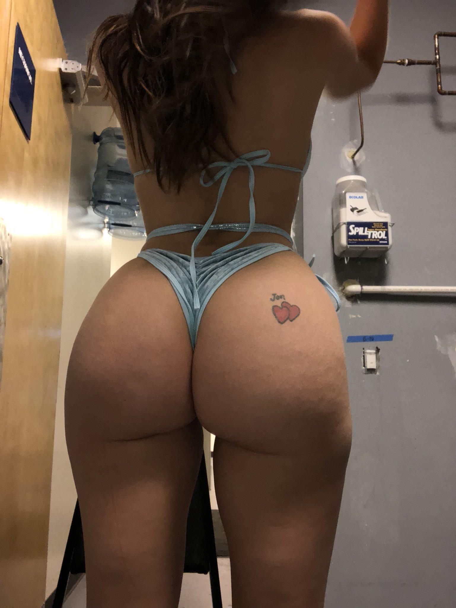 Lana Rhoades (2)