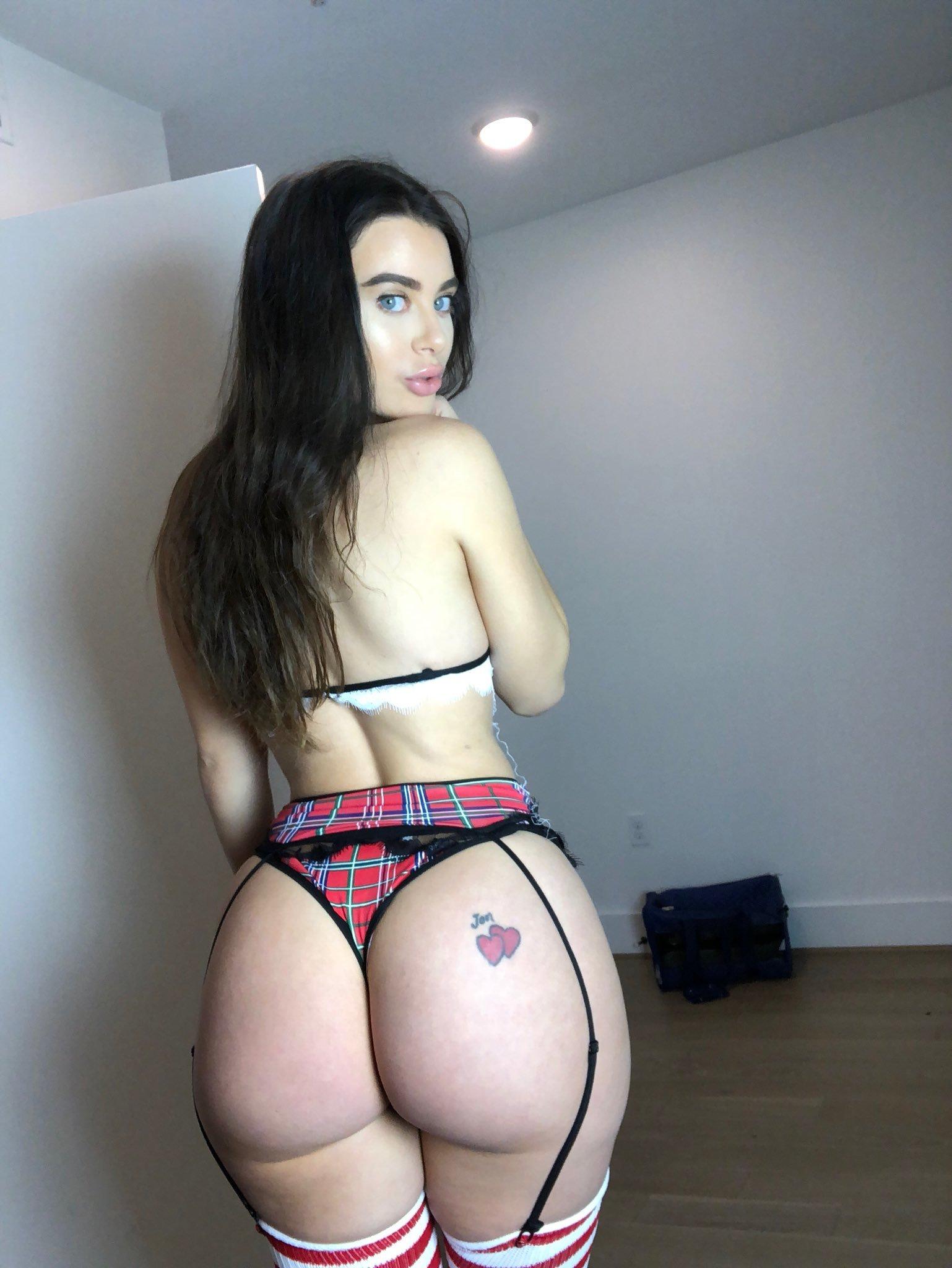 Lana Rhoades (3)