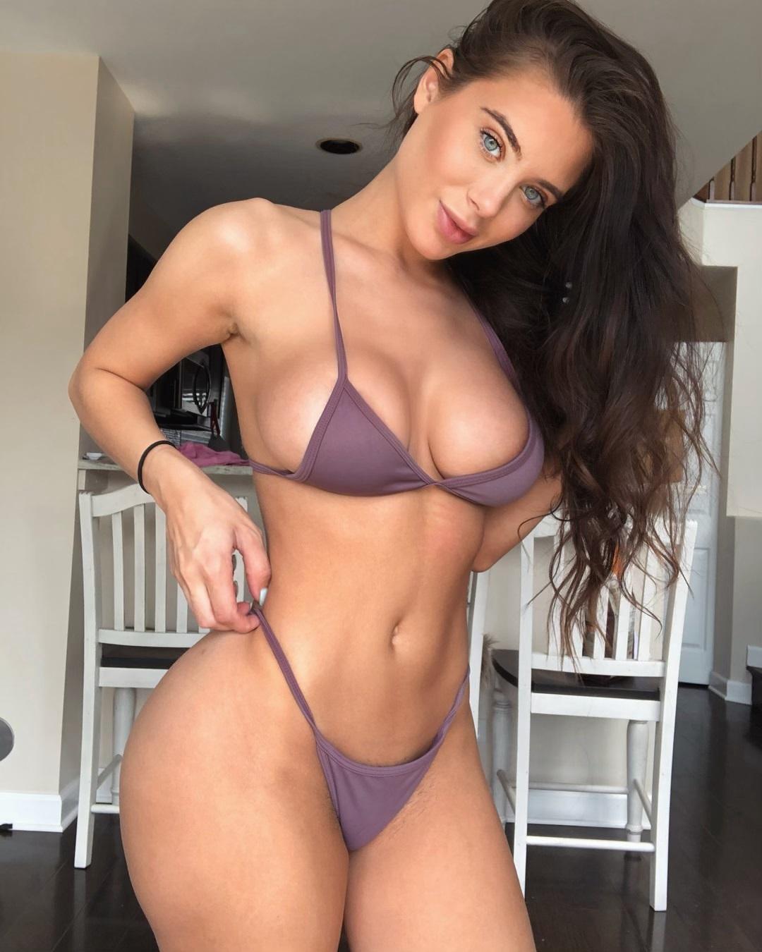 Lana Rhoades (4)