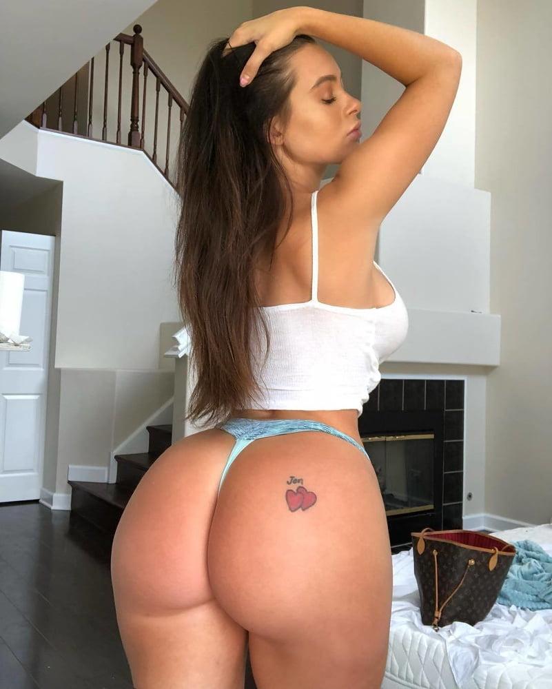 Lana Rhoades (8)
