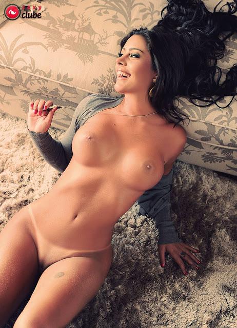 Larissa Riquelme Nua (8)