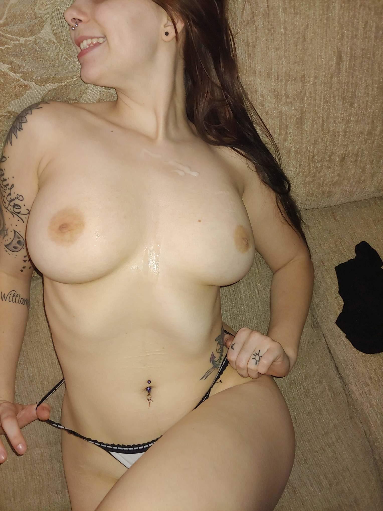 Branquinha Tatuada Em Fotos Pelada (12)