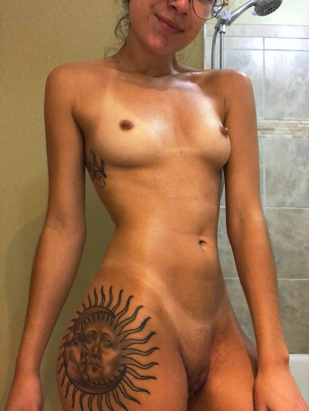 Morena Nua Em Putaria Caseira (25)